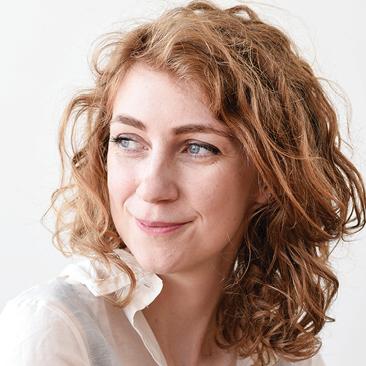 Headshot Anna Snoekstra