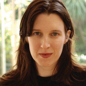 Headshot Chloe Hooper