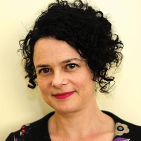 Headshot Julie Szego