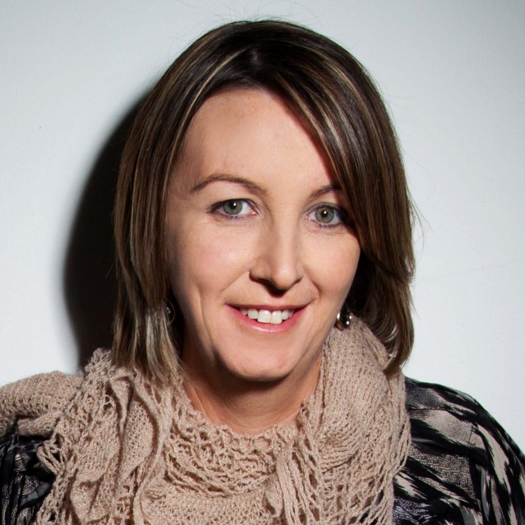 Sarah Barrie headshot